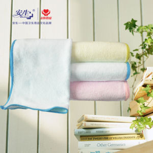 Thick and Soft Flannel Baby Wet Towel Antibacterial Towel pictures & photos