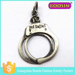 Custom Men′s Jewelry Pendant Antique Pewter Handcuff Charm pictures & photos