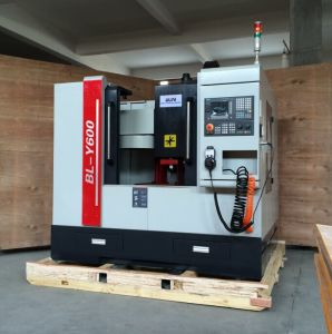 Competitive Price CNC Milling Machine with Automatic Tool Changer (BL-Y500) pictures & photos