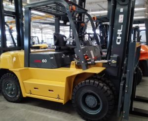 6t Fork Lift 6ton Diesel Forklift Truck 6 Ton Forklift pictures & photos