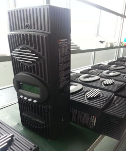 7500W Solar Home System LCD Hybrid Intelligent 80A MPPT Solar Controller 12V 24V 36V 48V 60V pictures & photos