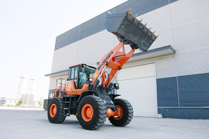 High Quality 4 Tons Shangchai (CATERPILLAR) Engine Wheel Loader pictures & photos