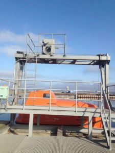 Manufacturer Totally Enclosed Fiberglass Lifeboat for Sale pictures & photos