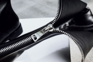 New Arrival Knee-High Fashion Boots with Double Zipper (YX-1) pictures & photos