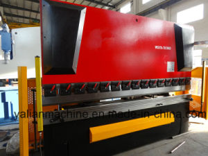 Normal Kind Hydraulic Press Brake Wc67y-70/3000 with Light Curtain Protection