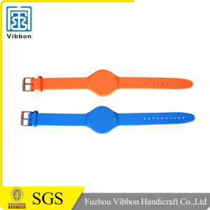 China Top Ten Selling Products 125kHz RFID Wristband pictures & photos