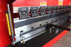 Sheet Metal Hydraulic CNC Press Brake 5+1 Axis pictures & photos