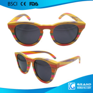 2017 Summer Hot Selling Polarized Bamboo Sunglasses pictures & photos