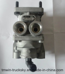 Sinotruck HOWO Spare Parts Brake Master Valve (WG9719360005) pictures & photos