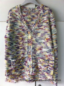 Girls Rainbow Yarn - True Knitted Cardigan pictures & photos