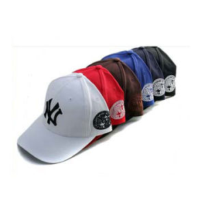 2016 Fashion Custom 3D Embroidery Baseball Caps pictures & photos