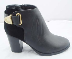 2013 New Women′s Fashion Soft Boots