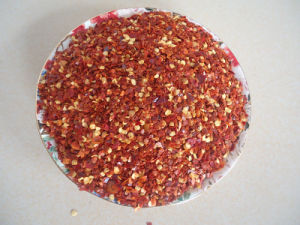High Quality Crushed Chili with Seeds pictures & photos