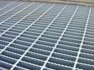 Serrated Non Slip Steel Grating pictures & photos