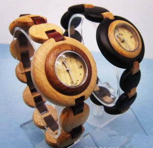 Hlw088 OEM Men′s and Women′s Wooden Watch Bamboo Watch High Quality Wrist Watch pictures & photos