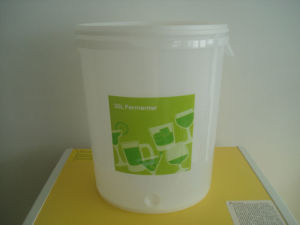Plastic Fermenter for Wine (30L) pictures & photos