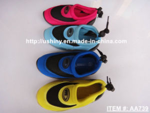 Kids Water Sports Aqua Shoes pictures & photos