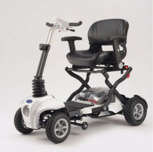 CE Certificated Folding Trarel Mobility Scooter (LN-021-A) pictures & photos