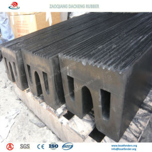 Strong Crushing Resistance Square Fenders to Protect Ship and Dock pictures & photos