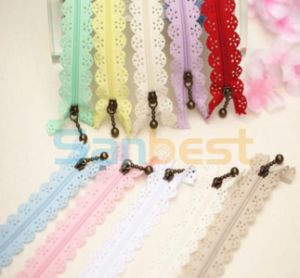 Lace Resin Zippers with Silver Teeth and Beautiful Colors pictures & photos