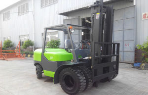 Big Sale! 5ton 6 Wheels Diesel Forklift pictures & photos
