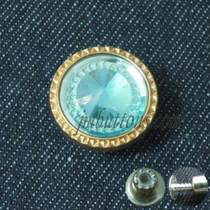 Green Rhinestone Fancy Designs Metal Buttons pictures & photos