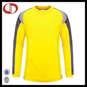 Custom Design Soccer Jersey Goalkeeper Shirt for Man pictures & photos