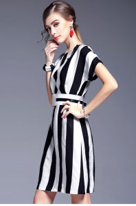 High Quality Short Sleeve Striped Dress Ladies Dress with Belt pictures & photos