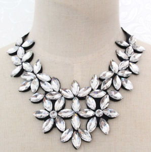 Women Fashion Bead Flower Glass Crystal Collar Necklace Jewelry (JE0190-white) pictures & photos