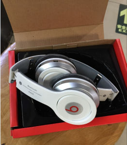 Direct Factory Portable Studio Headphones Stereo Beats Headphones/ Whth S D Cards FM Radio Wireless Bluetooth Fuction pictures & photos