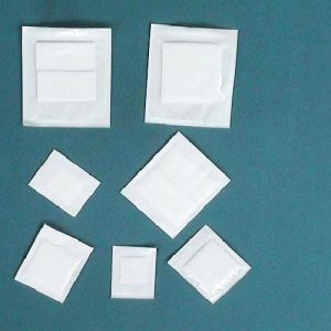 100% Cotton Disposable Sterile Gauze Pads for Medical Use pictures & photos