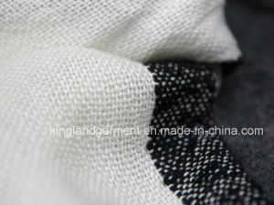 100% Acrylic Fashion Winter Warm Black & White Striped Fringed Scarf pictures & photos