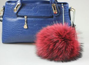 Dyed 8-18cm Raccoon Fur Pompoms pictures & photos