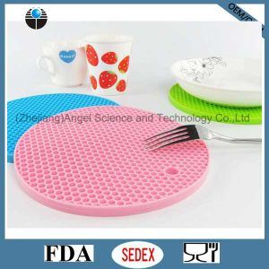 Thicker Heat Resistant Silicone Cup Pad, Silicone Coaster Sm09 pictures & photos