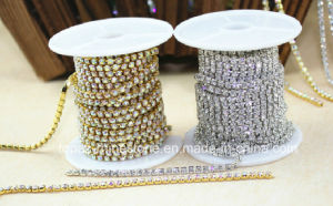 Strass Roll Rhinestone Close Cup Chain Rhinestone Lace Roll Chain (RCS-2mm crystal) pictures & photos