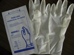 Steriled Powdered Disposable Latex Surgical Gloves pictures & photos