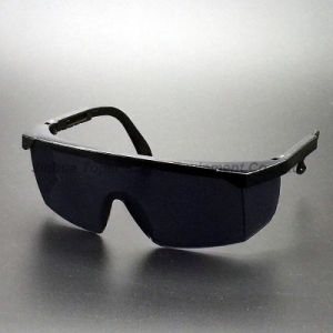 ANSI Z87.1 and Ce En166 Approval Safety Glasses (SG100) pictures & photos