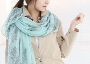 Polyester Lady Dyed Scarf Newest Fashion Women pictures & photos