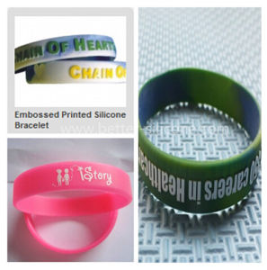 Fashionable Embossed Silicone Rubber Wristband pictures & photos