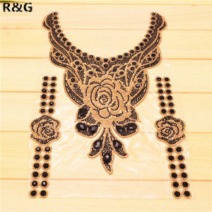 Wholesale Garments Rhinestone Beaded Neckline Silver Collar Neckline Applique pictures & photos