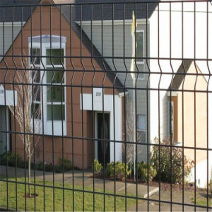 PVC Coated Welded Mesh Fence Panel with 3V Bending pictures & photos