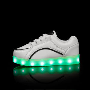 China Children Sneakers Kids LED Light Shoes for Boys and Gilrs with USB Charging Cable pictures & photos