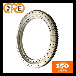China Manufacturer Single-Row Cross Roller Slewing Bearing External Gear pictures & photos