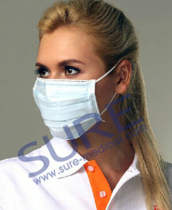 Popular Disposable Non-Woven Face Mask (SR4001-1) ISO CE pictures & photos