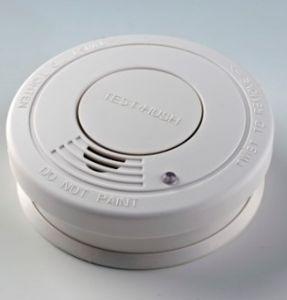 En-14604 Standard Hush Function Smoke Alarm pictures & photos