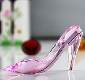 Princess Crystal Glass Shoes with High Quality Gifts Box for Holiday Gifts pictures & photos