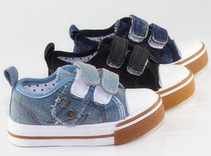 Lower-Cut TPR Injected Jean Shoes for Toddler (SNC-260011) pictures & photos
