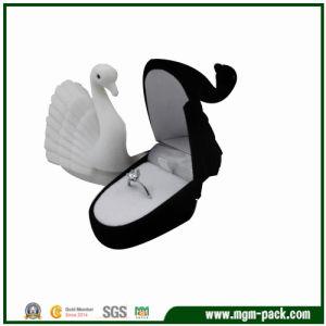 Elegant Christmas Swan Plastic Jewelry Box pictures & photos