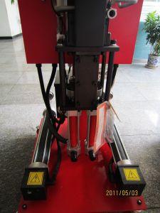 Pneumatic PU Foam Spray Machine pictures & photos