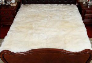Genuine Soft and Comfortable Sheepskin Bed Pad/ Mattress Cover pictures & photos